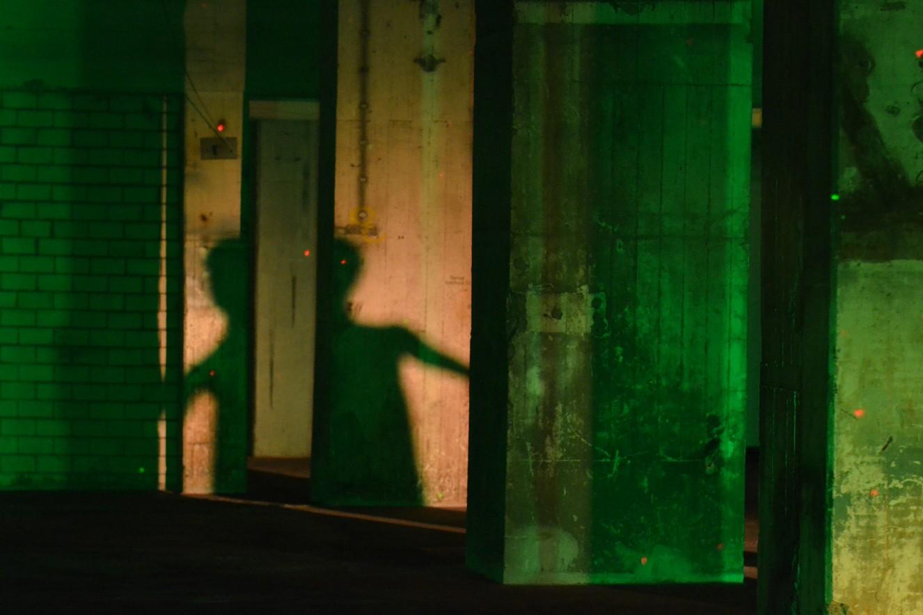 Tangente I Green- Dancer Verena Wilhelm  Fine Art Print metallic on Aludibond  40x60 cm, 2019