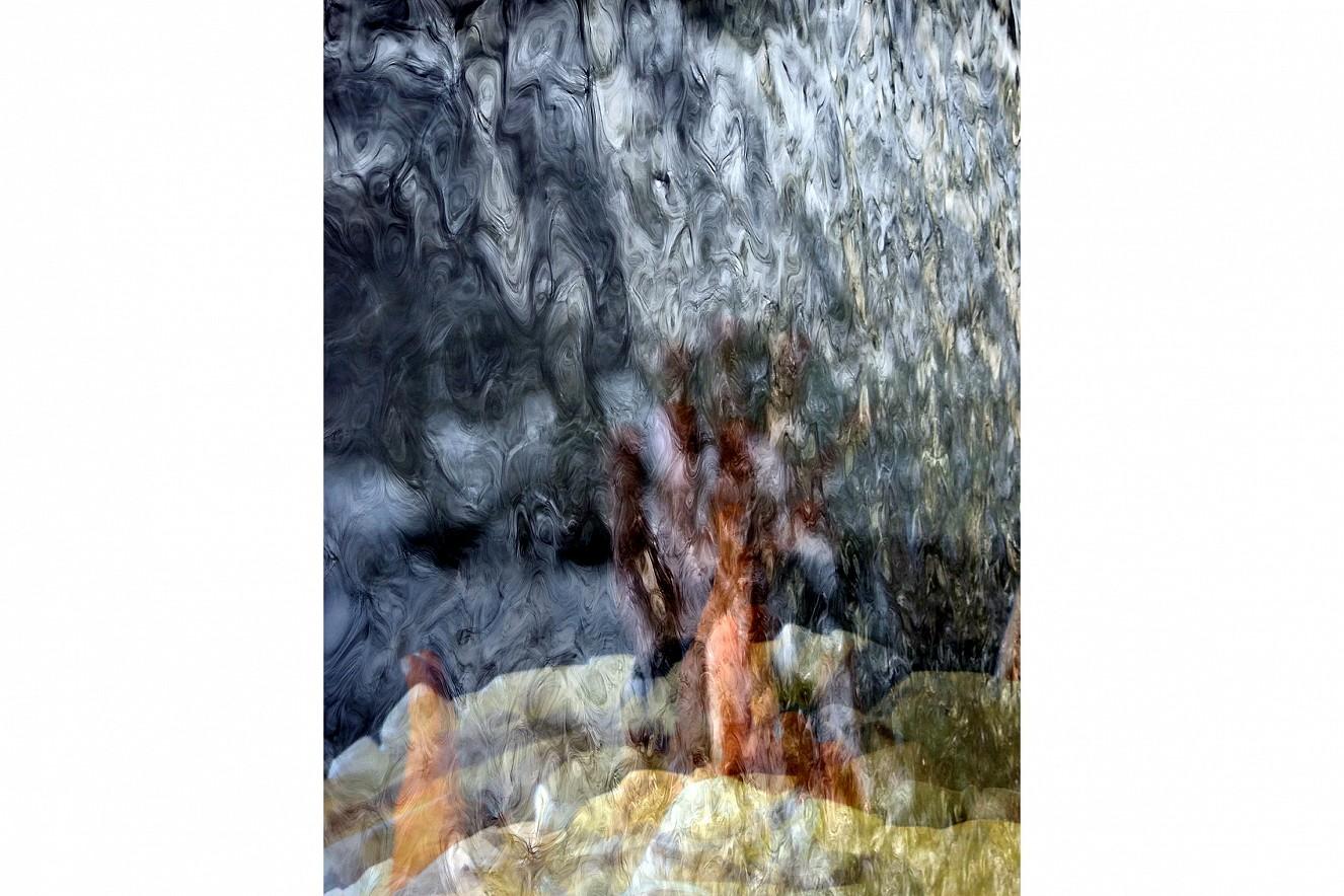 Lucent Water  Fine Art Print metallic on Aludibond  90x70 cm, 2019