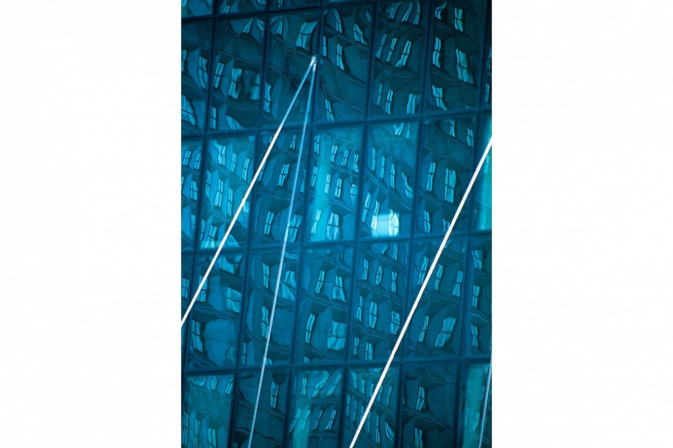 Facade- Blue  Fine Art Print metallic on Aludibond  130x90 cm, 1999/2019