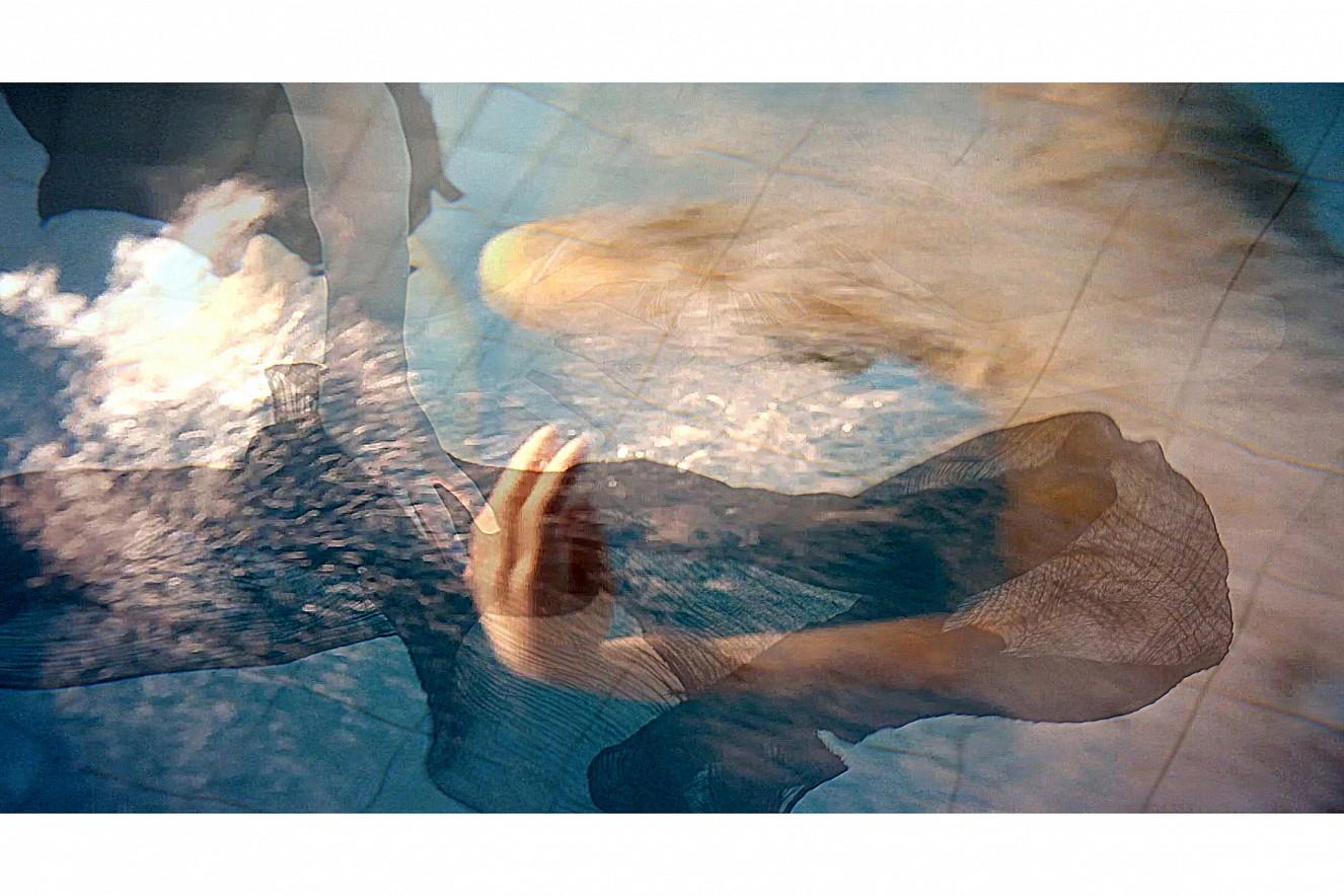 Saori Pool  Fine Art Print metallic on Aludibond  40x60 cm, 2019