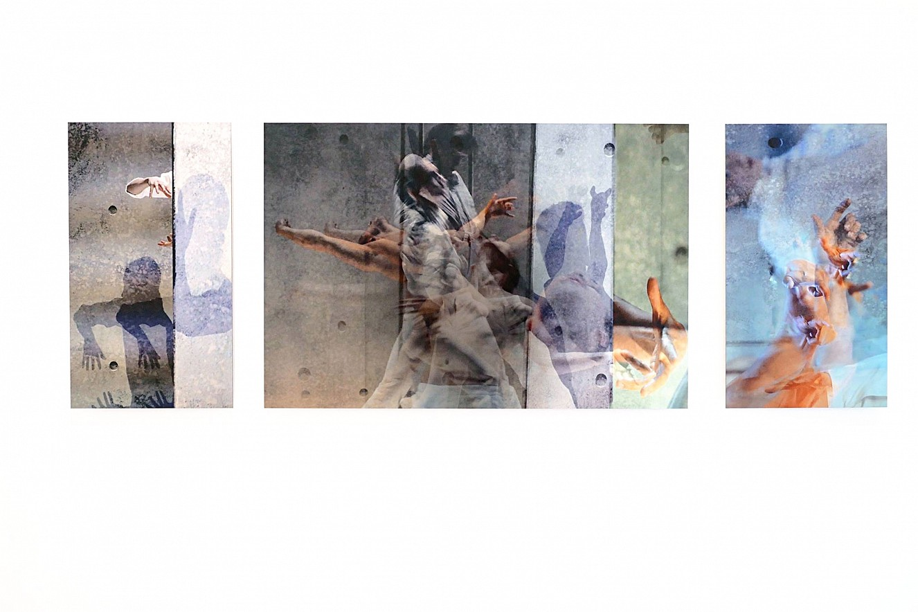 Edition Riven in Time  Riven in VII, Riven in (Group), Riven in (Hands)  21x29,7 cm/ 90,y x42 cm, Fine Art Print Metallic