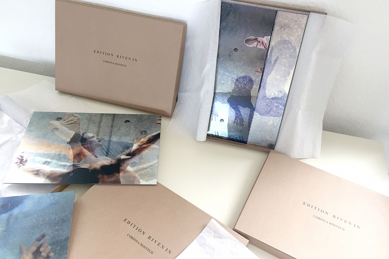 Edition Riven in Time  Riven in Shadow, Riven in II, Riven In VII in box  je 21x29,7 cm, Fine Art Print Metallic on Aludibond
