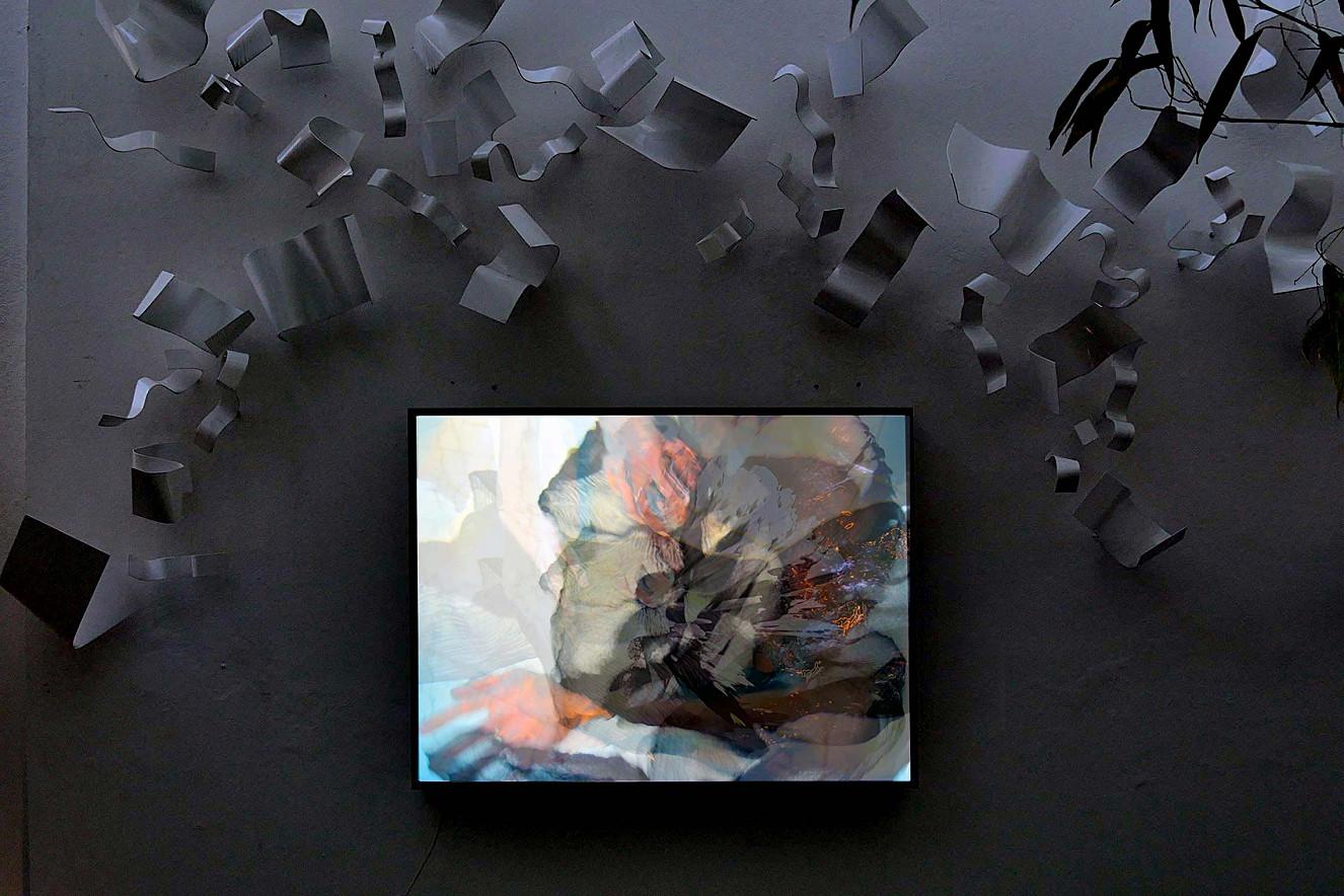 Saori Underwater  Endura translucent in Lightbox, Outdoor   70x100 cm, Unikat