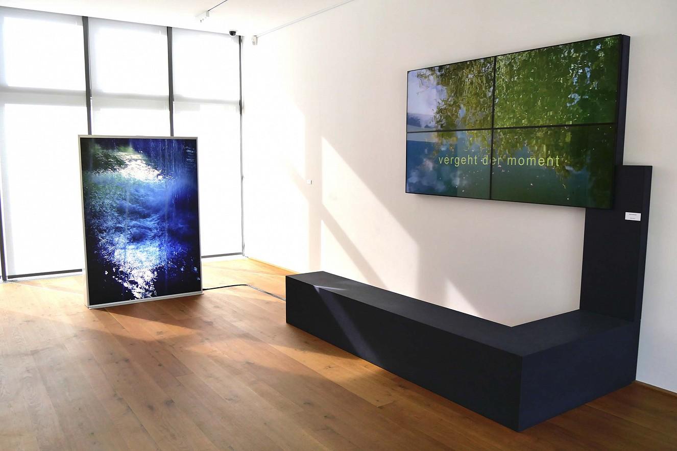 Spring und Vergeht der Moment  Lightbox und Video von Helga Persel Ausstellung Museum Schloß Boppard