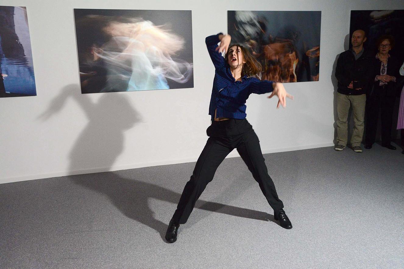 Orfeo - Tanz Alessia Ruffolo  je 100x145cm, Fine Art print metallic auf Aludibond  Galerie Karin Melchior, Kassel