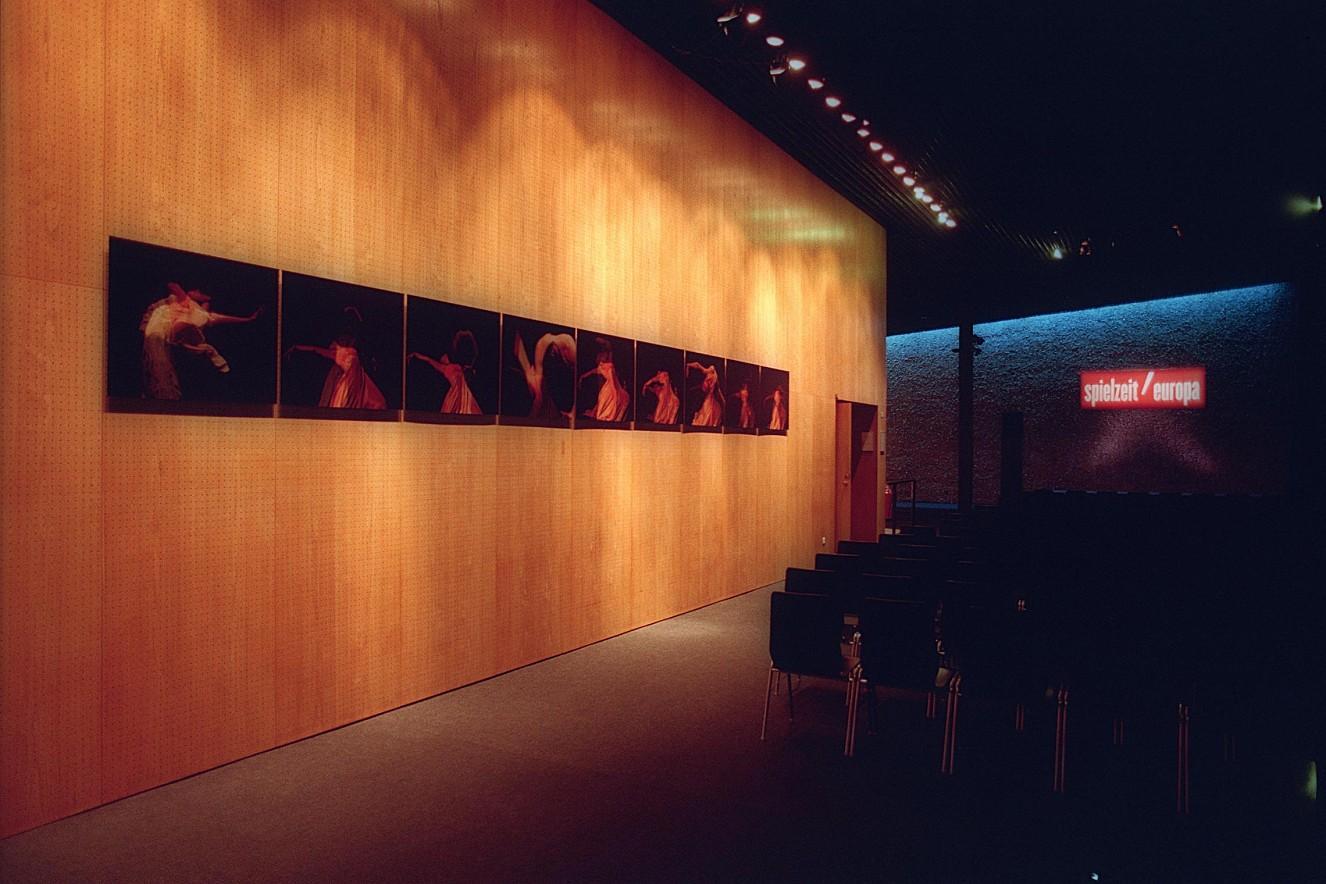Seh(n)sucht- neunteilige Serie   Ausstellung Spielzeit Europa  Haus der Berliner Festspiele, 2009