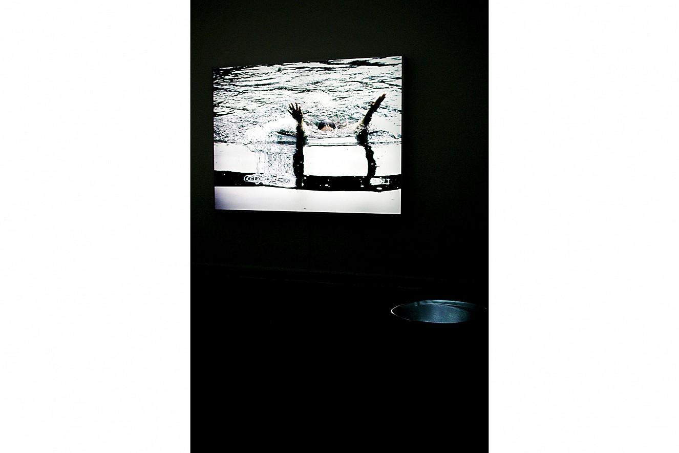 Whirl&Wake  Foto- und Videoinstallation, Lightbox  200x150 cm Nassauischer Kunstverein, Wiesbaden