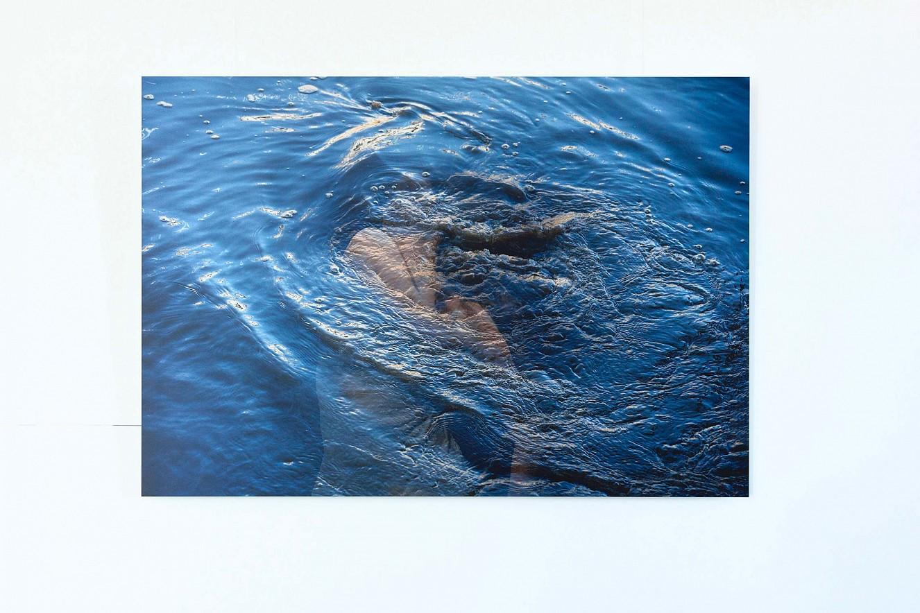 Strudel Blue Femme  90x130cm, Chromira pearl on Aludibond  Reederei Riedel, Ausstellung Bitteres Wasser