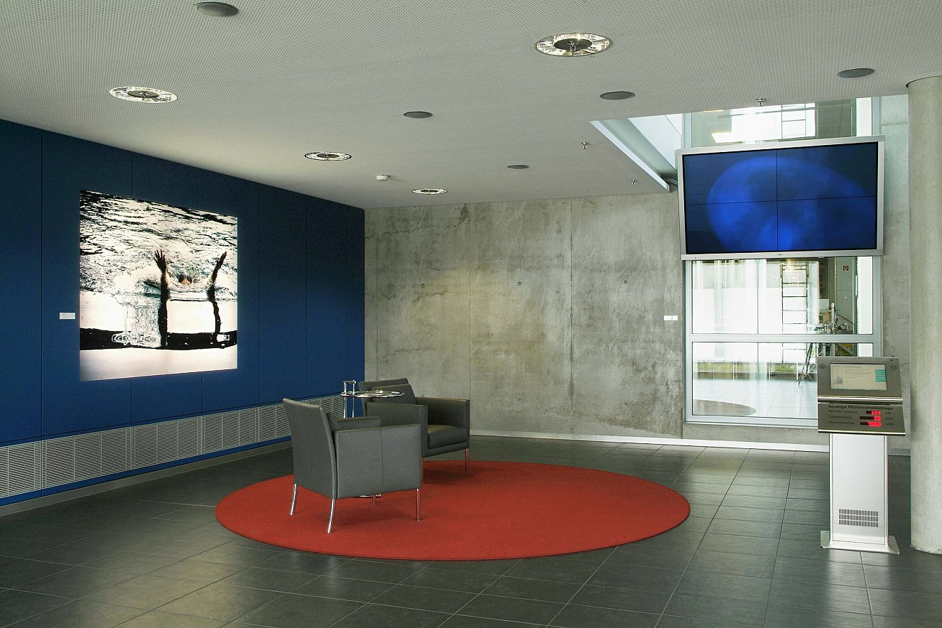 Circular and Wake Videoinstallation, Sound und Lightbox L.I.F.E. Building Kassel- Melsungen, B.BRaun AG