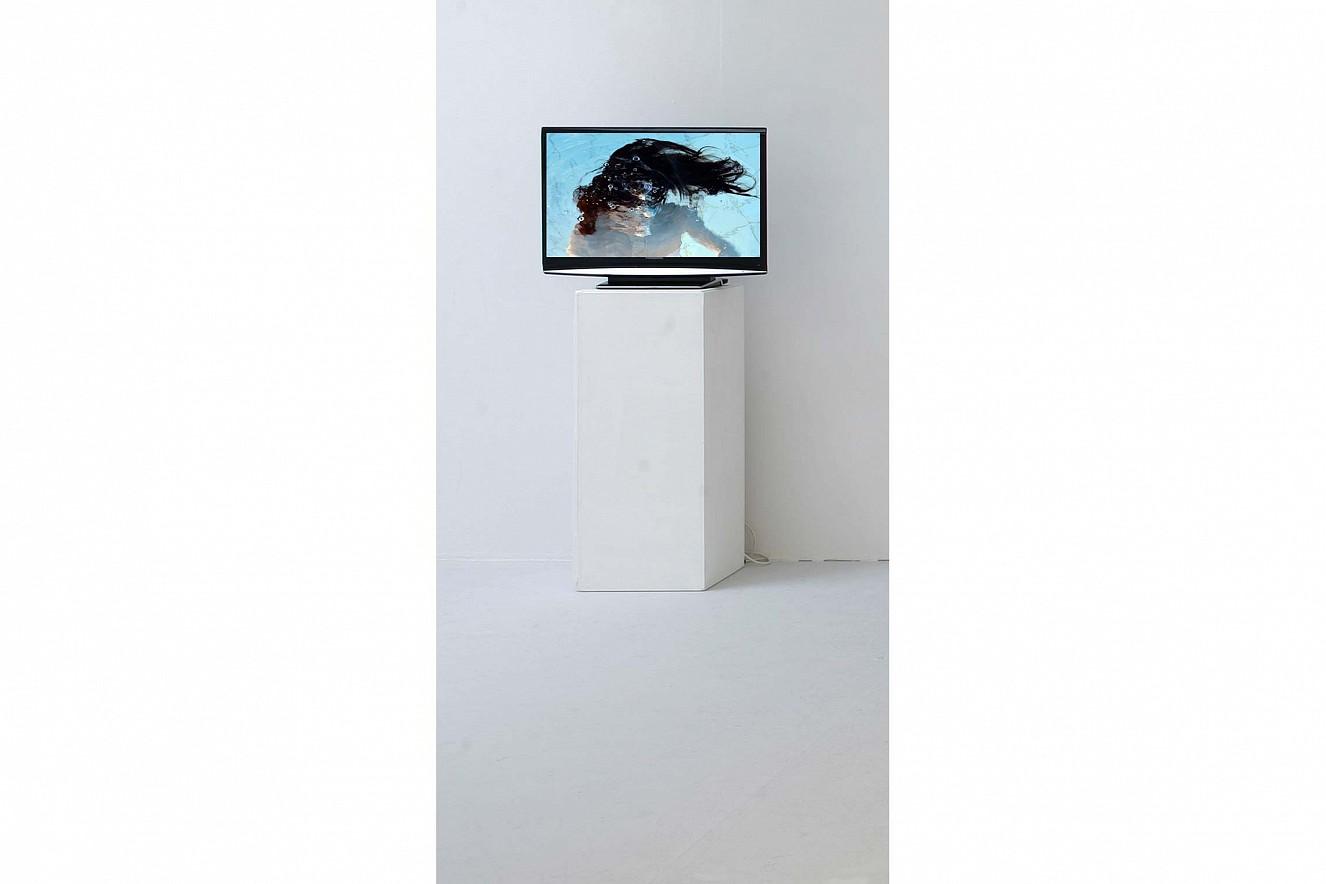 Liquors Balance   Videostill, Bilder von Tänzer*innen unter Wasser   Ausstellung Kunstverein Kunsthaus Potsdam
